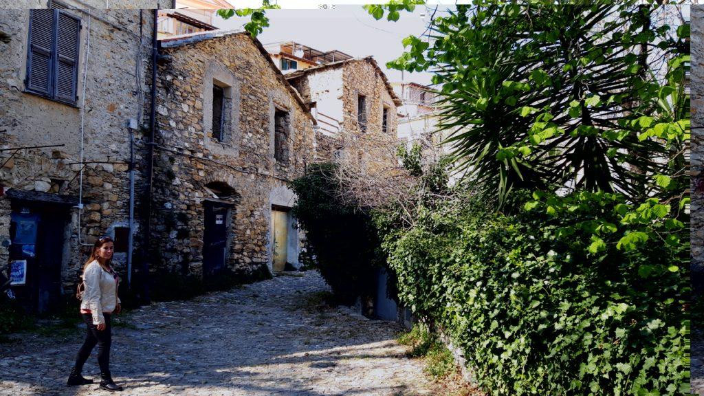 Valloria - Camminando per il paese