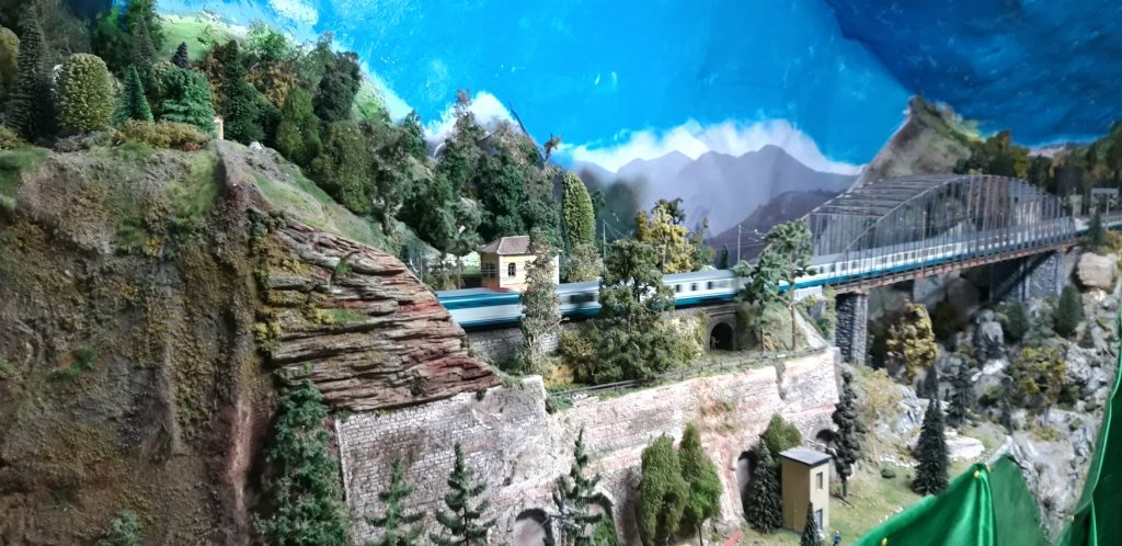 Plastico ferroviario di Bussana Vecchia