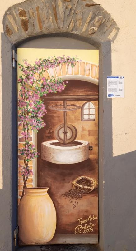 """""""Frantoio"""" - Una delle tante porte di Valloria"""
