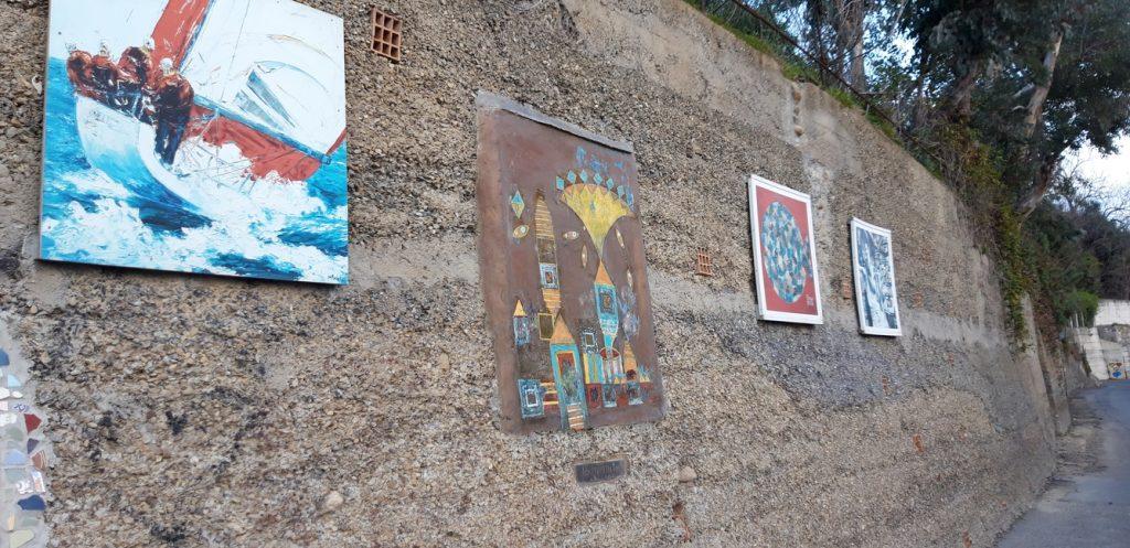 Per strada le prime opere d'arte