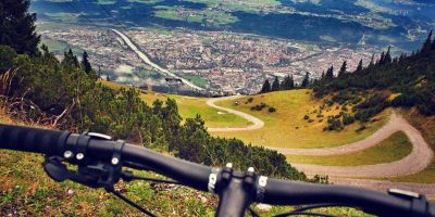 Le 5 piste ciclabili più belle da fare in Italia