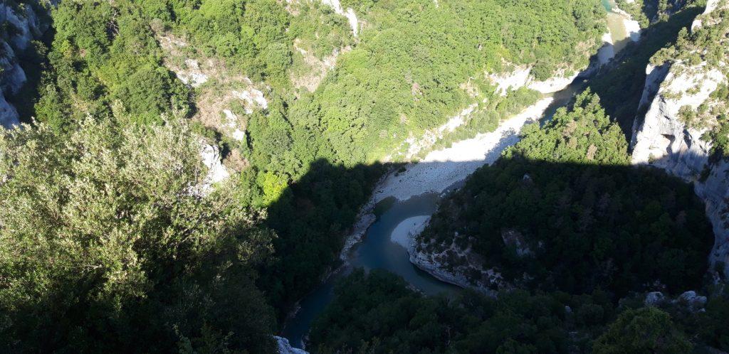 Vista panoramica sul fiume