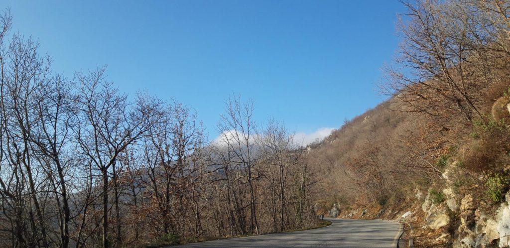 La strada che porta a Bardineto