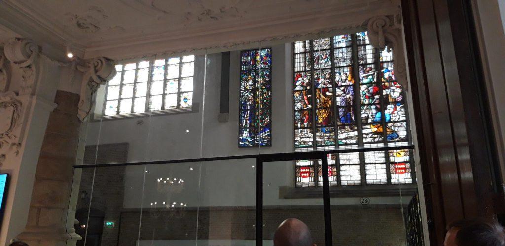 Vista di una vetrata  della Chiesa di San Giovanni di Gouda