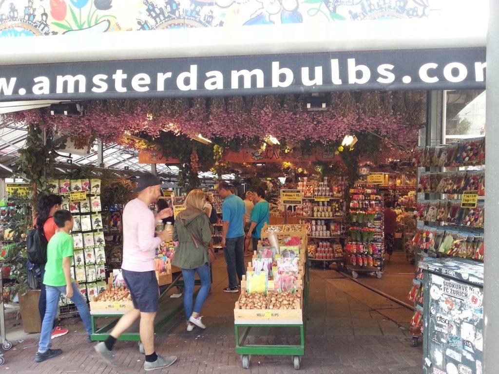 Uno dei tanti stand del mercato dei fiori