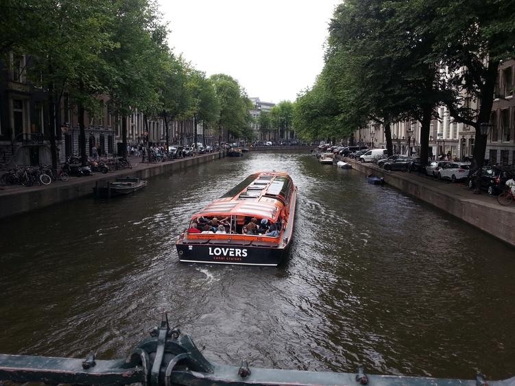 Giro in battello nei canali di Amsterdam