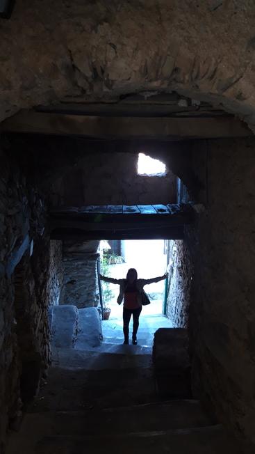 Valloria - Carruggio con atmosfera spettrale